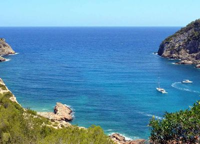 Cala Llonga   A Fast and Cost-Effective Transfer